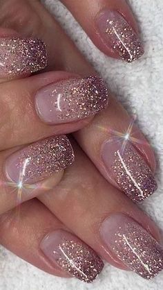 Color glitter 48 Nail Art Designs You Need To Try This Year stylish gorgeous glam natural nail art design polish manicure gel painting creative color paint toenails sexy feet Nail Design Glitter, Pink Nail Designs, Glitter Nail Art, Shellac Nails Glitter, Ombre Nail Art, White Glitter, Rose Gold Nails, Pink Nails, Gel Nails