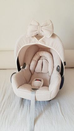 Maxi Cosi Cabrio set - pebble - Want to give your Maxi Cosi Cabrio a new twist? Wazzhappening makes this with a lot of love & passi - Little Babies, Cute Babies, Everything Baby, Baby Needs, Baby Time, Our Baby, Baby Baby, Baby Decor, Baby Accessories