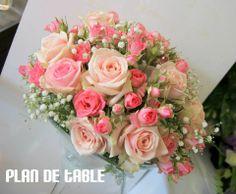 ,j'aimerais bien un bouquet de ce type, mais dans les tons blanc/ parme/ rose pâle, et dans 2 vases en forme de verre à Martini !