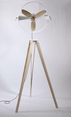 Designer Beautifully Re-Invents the Pedestal Fan Rethinking the fan by Marco Gallegos MoreRethinking the fan by Marco Gallegos . Eco Deco, Cool Furniture, Furniture Design, Objet Deco Design, Pedestal Fan, Deco Originale, Tripod Lamp, Wood Design, Industrial Design