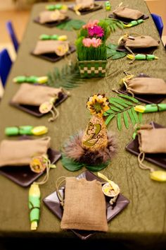 Zoo Party Table Setting