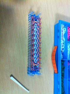 Rainbow Loom Phone Case Rubber Band Charms, Rubber Bands, Rainbow Loom Case, Arts And Crafts, Diy Crafts, Phone Case, Craft Ideas, Crafty, Cool Stuff