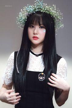 Hà ở Fansign Time for the moon night Kpop Girl Groups, Korean Girl Groups, Kpop Girls, Gfriend And Bts, Jung Eun Bi, G Friend, Girl Bands, Korean Celebrities, Geisha