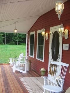 Old Doors Design, Pictures, Remodel, Decor and Ideas - page 47 Cabin Porches, Decks And Porches, Country Porches, Front Porches, White Porch, Old Farm Houses, Barn Houses, Outdoor Rooms, Outdoor Decor