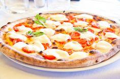 Pizza, Pasta, and Drinks at Adamo's New York Pizzeria (Up to Off) Tuscan Recipes, Italian Recipes, Quesadillas, Naples Pizza, Pizza Margarita, Pizza Salami, Late Night Pizza, Thin Crust Pizza, Pizza Delivery