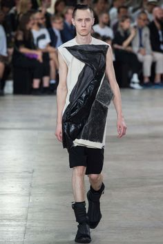 Rick Owens - Spring 2016 Menswear - Look 35 of 41?url=http://www.style.com/slideshows/fashion-shows/spring-2016-menswear/rick-owens/collection/35