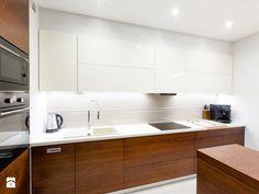 Kitchen Sets, Kitchen Dining, Kitchen Decor, Kitchen Cabinets, Dining Rooms, Small U Shaped Kitchens, Kitchen Interior, Interior Design, House