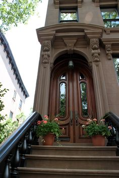 image from Stoopin' Around Blog. / Cobble Hill