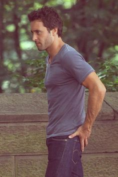 Alex O'loughlin in The Back Up Plan