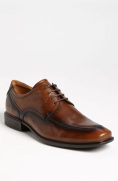 Nice! This brown leather lace-up shoe is perfect for work.