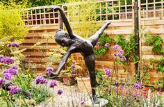 Outdoor sculpture | Contemporary gardens | Oxford Garden Design