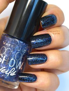 Midnight galaxy mani courtesy of Color Veils in 'Blue Gaze' and Color Show in 'Onyx Rush'.