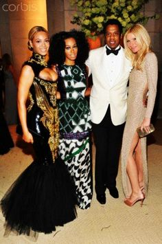 Beyonce, Solange Knowles, Jay Z et Gwyneth Paltrow Beyonce Et Jay Z, Beyonce Coachella, Beyonce Fans, Beyonce Family, Solange Knowles, Queen B, Gwyneth Paltrow, Red Carpet Looks, Beautiful Family