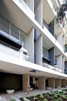 Edificio Mirador Pocuro / SEARLE PUGA arquitectos