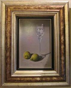 Pintura realista copa de agua y frutas.