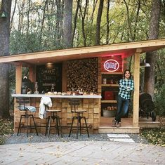 Outdoor Bbq Kitchen, Outdoor Patio Bar, Backyard Kitchen, Backyard Bar, Backyard Patio Designs, Outdoor Kitchen Design, Outdoor Rooms, Outdoor Living, Outdoor Bars