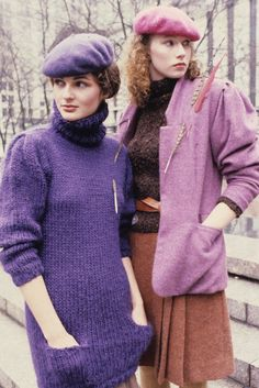 Perry Ellis designs with matching berets so Chic ! Fashion Books, 80s Fashion, Fashion History, Fashion News, Vintage Fashion, Knitwear Fashion, Perry Ellis, Girl With Hat, Liz Claiborne