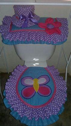 Morado en el baño. #decoraciondecocinasmanualidades