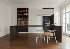 Invisible kitchen / i29 interior architect