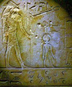 Ancient Aliens, Ancient Art, Ancient Egypt, Ancient Symbols, Aliens History, Aliens And Ufos, Alien Proof, Objets Antiques, Alien Artifacts