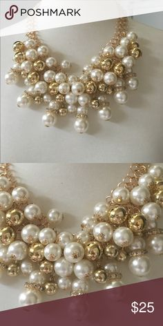 Beautiful pearl and gold necklace (2 brook girls) Beautiful pearl and gold necklace looks a lot like the one n 2 broke girls no Jewelry Necklaces