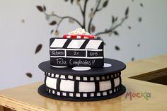 Celebrando un Cumpleaños de Película!  www.mocka.co  #mocka #pasteleria #cakeshop #cakedesign #birthdaycake #ponquedecorado #cumpleaños #ponquecumpleaños #tortatematica #ponquetematico #ponque #torta #pastel