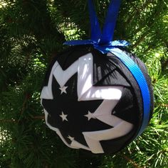A Thin Blue Line ornament PATTERN your can make for your favorite officer! Blue Line Police, Thin Blue Line Flag, Thin Blue Lines, Quilted Christmas Ornaments, Fabric Ornaments, Police Crafts, Number Beads, Lap Quilts