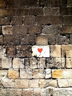 love is in the air - Street art I Love Heart, With All My Heart, Capa Do Face, Heart Art, All You Need Is Love, Be My Valentine, Valentine Ideas, Public Art, Belle Photo