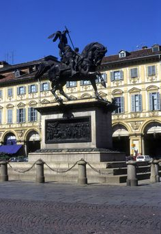 The Caval ëd Brons (Bronze Horse), monument to Emanuel Philibert of Savoy, in Piazza San Carlo