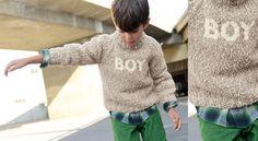Le pull garçon BoyLa rentrée, c'est top avec un pull qui affiche clairement le message : Boy ! idéal pour être le héros dans la cour de récré. Et aussi un modèle coordonné pour les filles.