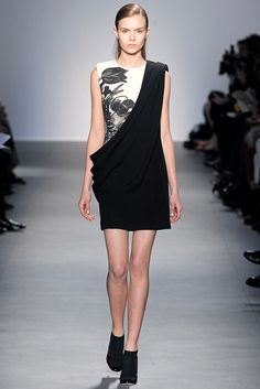 Giambattista Valli - Fall 2011 Ready-to-Wear