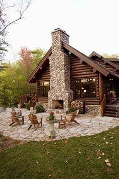 70 Fantastic Small Log Cabin Homes Design Ideas 58 farmhouse Small Log Cabin, Log Cabin Homes, Log Cabins, Log Cabin Exterior, Small Log Homes, Small Rustic House, Log Cabin Plans, Barn Homes, Log Cabin Siding