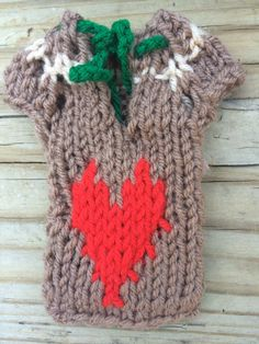 Excited to share the latest addition to my #etsy shop: Cell phone knit dress, sweater for iPhone 5, 6, 7Valentine heart, 2015 sheep #accessories #case #cellphone #chinesenewyear #cellphonedress #beigeacrylic #greensoftacrylicyarn #knitsew4u #redacrylic