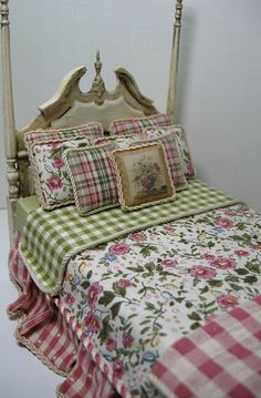 Shabby Chic Poster Bed by Ken Haseltine Regent Miniatures, via Flickr