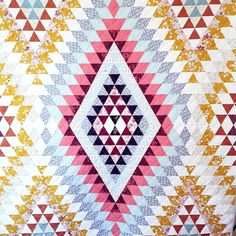 Quilt Berbere by Alex Luenz of Alexouq Handmade Skirts, Foundation Piecing, Contemporary Quilts, Antique Quilts, Quilting Tutorials, Fabric Crafts, Diy Gifts, Quilt Patterns, Sewing Projects