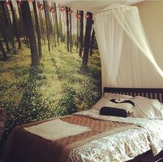 pinterest apartment decor | Apartment decor featuring an tapestry. ... | DORM LI ...