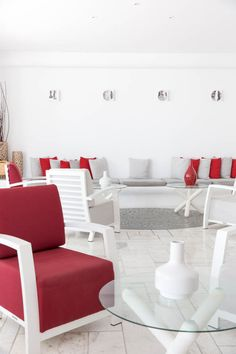 The luxury experience of staying at Kouros Hotel & Suites Mykonos starts from the lobby. The mediterranean simplicity is perfectly mixed with modern elegance so you can meet tranquility and peaceful vibes. Visit also our website http://www.kouroshotelmykonos.gr #mykonos #kouroshotel #tagoo #greece #cyclades #holiday #vacation #luxury #romance #style #travel photo © @annawithlove