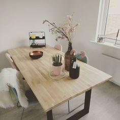 #kwantuminhuis Tafel BREZ > https://www.kwantum.nl/meubelen/tafels @maud_jz