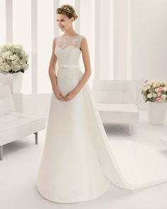8B275 PLANETA | Wedding Dresses | 2015 Collection | Alma Novia (Shown with detachable Cathedral length Train)