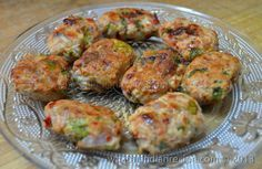 This chicken kebab is easy to prepare even without minced meat, the readily available spices give it a wonderful taste. Ingredients for Chicken Tawa Kebab Recipe Chicken (boneless) - 200 gms Onion ...