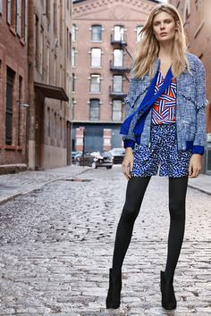 Diane von Furstenberg Pre-Fall 2016 Fashion Show  Could I pull off the mixed prints? I'd like to try!