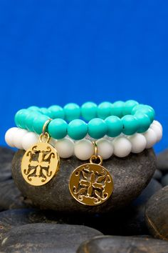 * Catherine Turquoise & White – Rustic Cuff