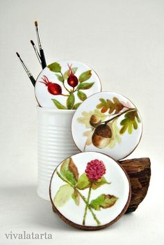 12 Beauty Hand-Painted Vintage Cookies – Top Cheap Unique Holiday Party Design - Easy Idea (2) More