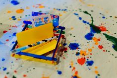 James' Art Attack / Painting Themed Party – Table Setup Details Craft Party, Sprinkles, Party Themes, Arts And Crafts, Birthday, Table, Painting, Birthdays, Painting Art