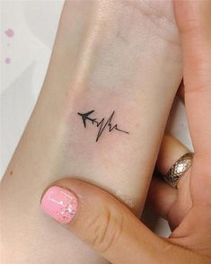 Over 90 little tattoo ideas and inspirations for women tattoos, - diy tattoo images - Tatouage Small Tattoos With Meaning, Small Girl Tattoos, Little Tattoos, Small Tattoo Quotes, Small Tattoos For Women, Small Inspirational Tattoos, Wrist Tattoos Girls, Cool Tattoos For Girls, Small Tats