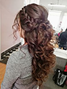 wedding hairstyles suelto Hairstyles for wedding Prom hair ideas # Ideas Prom Haar Ideen # Ideen Quince Hairstyles, Bride Hairstyles, Down Hairstyles, Easy Hairstyles, Pretty Hairstyles, Prom Hairstyles For Long Hair Half Up, Scarf Hairstyles, Quinceanera Hairstyles, Homecoming Hairstyles