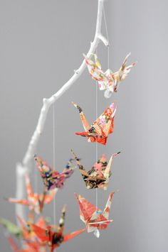 Beautiful and creative origami crane holder. Must try!