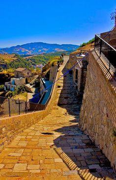 Gradini al Castello in Rabatana a Tursi Matera