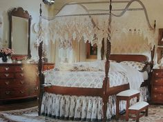 Beautiful King Canopy Bedroom Set Ideas and Decor — Office PDX Kitchen Queen Size Canopy Bed, Canopy Bedroom Sets, Wood Canopy Bed, Canopy Bed Curtains, Canopy Bed Frame, Canopies, Bedroom Ideas, Bedrooms, Bed Frame Parts