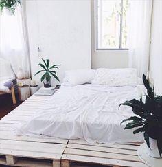 shabby-chic-white-platform-bed